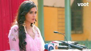 Meher faces the media!