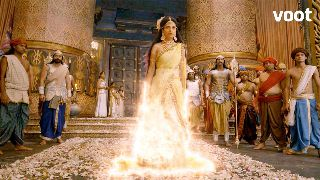 Sati immolates herself!