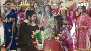 Oh no! Raghu forces Dhanak to marry him!